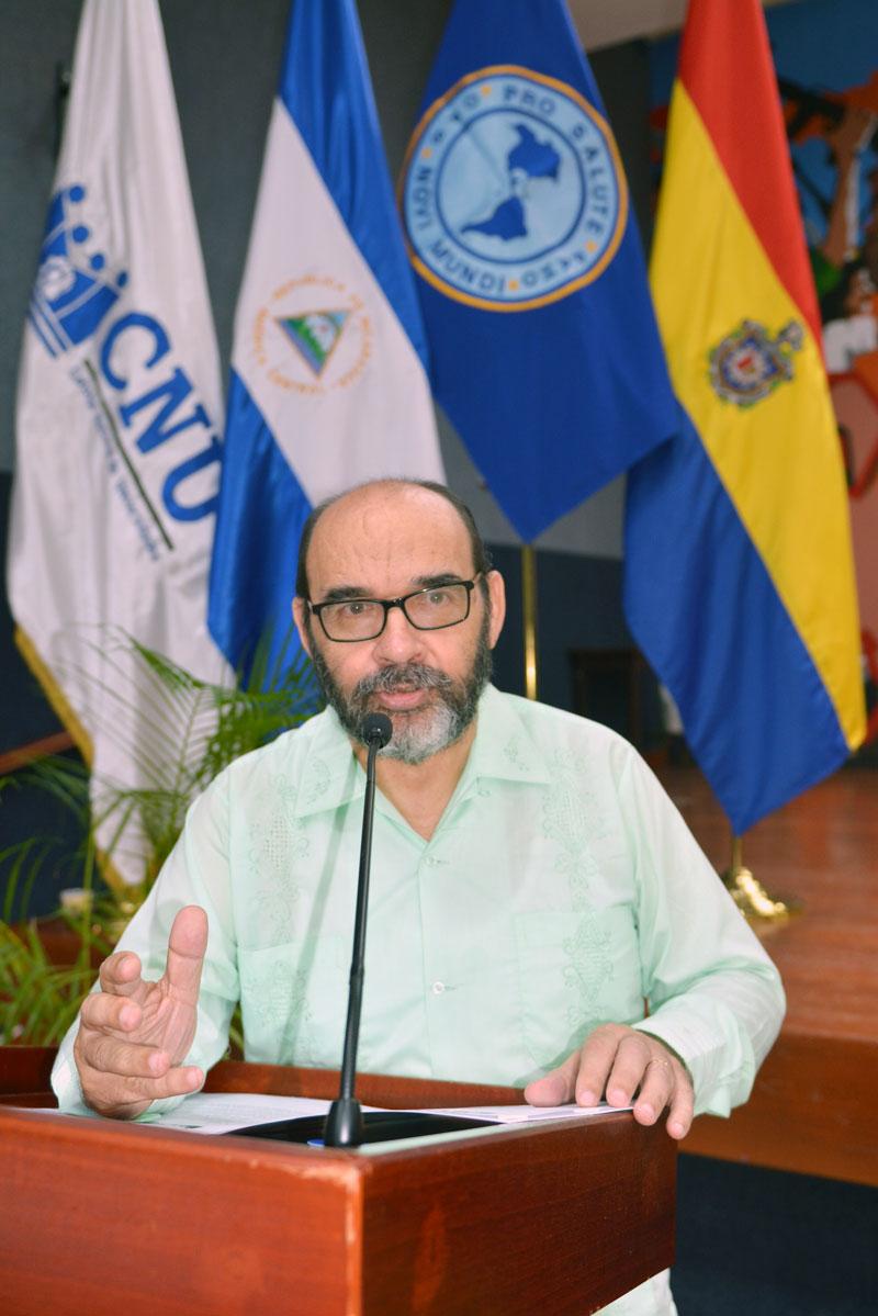 Declaratoria leída por el Dr. Alfredo Lobato, secretario del CNU.