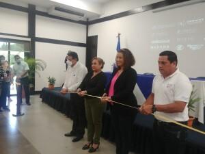 Autoridades inaugurando la Expociencia Territorial