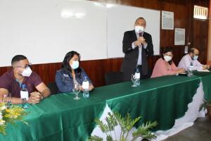 Dirigentes estudiantiles, Rector de la UNIAV y autoridades del CNU presiden encuentro en dicho recinto.