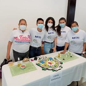Estudiantes y docentes de la UNAN-Managua durante la Expociencia Territorial