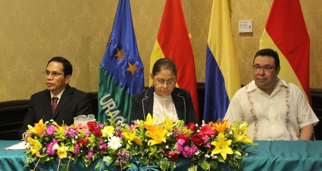 MSc. Ned Lacayo, MSc. Ramona Rodríguez Pérez y Dr. Juan de Dios Bonilla.